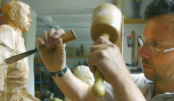 How to... Carve your Wooden Piece of Art